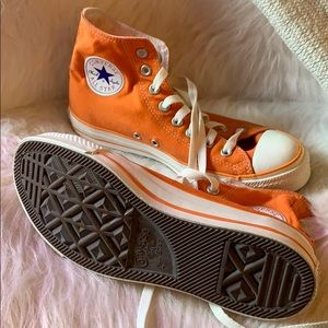 Converse all star high tops size 7mens/9womens
